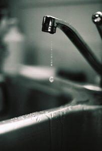 kitchen-sink-faucet