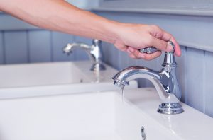 hand-opening-faucet